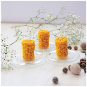 100% Pure Beeswax Daisy Candles