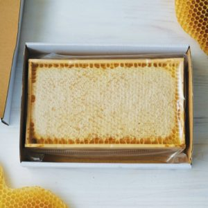 Raw Honey In Honeycomb Of Wildflowers 600g