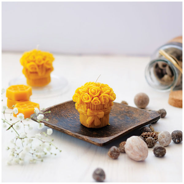 100% Pure Beeswax Roses Candles